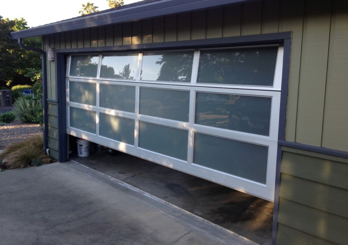 8 reasons you need a full view aluminum garage door - Reasons inspect garage door ...