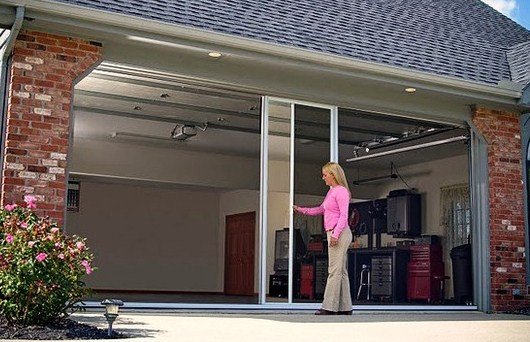 A Great Guide To Lifestyle Screens For Your Garage Door!